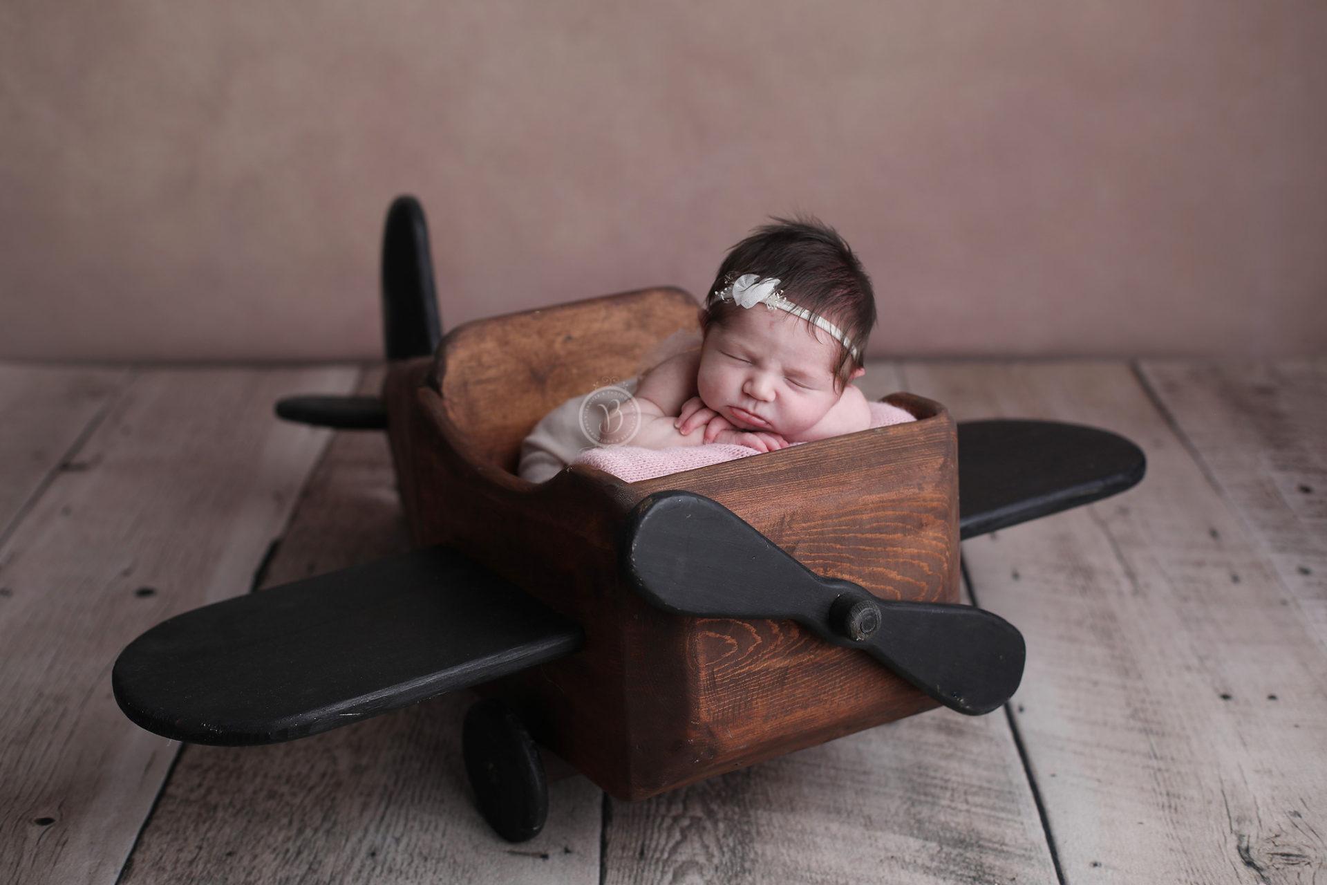 newborn airplane pictures